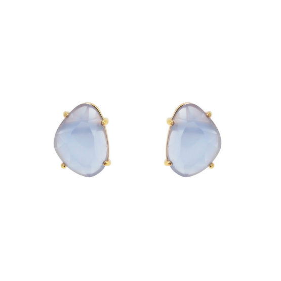 Classic gold stud earrings with blue stone